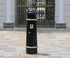 Image 2Cannon major service bollard with special crest