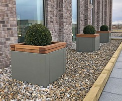RailRoad planter units on roof terrace