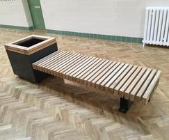 RailRoad planter with integrated seating