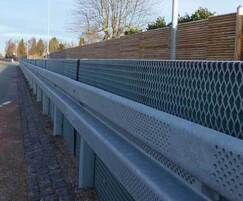 VRSSoundBlok barrier with noise-absorbing element