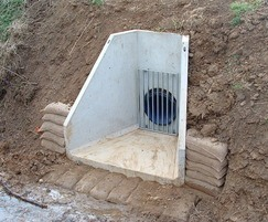 Standard precast headwall with safety grill