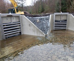 Headwalls with bespoke penstocks for reservoir