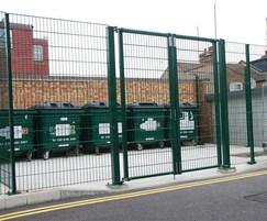 EuroGuard Flatform fencing with double leaf gate