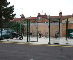 EuroGuard Flatform with double leaf swing gate