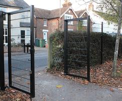Double-leaf Euroguard® Flatform Heavy gates