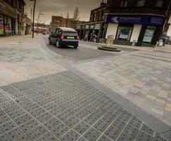 Light and dark mix granites setts for trafficked areas