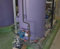 Liquid polymer preparation systems