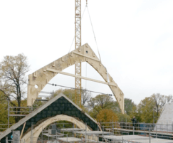 Pre-fabricated cross-bonded Kerto-Q wooden trusses