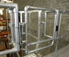 Kee Gate self-closing safety gate, galvanised