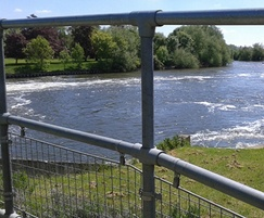 Kee Klamp railings with mesh panels