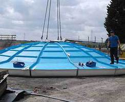 Aerator floating cover