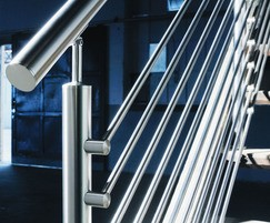 Stainless steel handrailing using Q Rail
