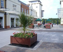 Heathland square hardwood planter