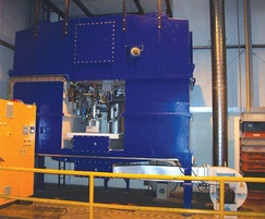 Regenerative thermal oxidiser
