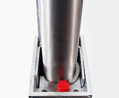 RetractaPost-GL 900 stainless steel retractable post
