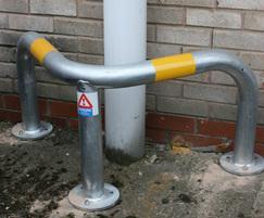 Corner protection hoop