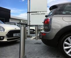 Fixed and retractable stainless steel bollards