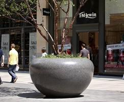 Giove large planters, Cardiff