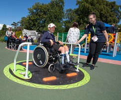 Wheelchair-accessible roundabout