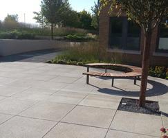 Vera Solo circular bench