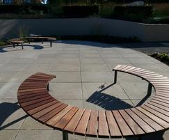 Vera Solo circular outdoor benches