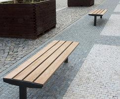 Vera Solo straight benches