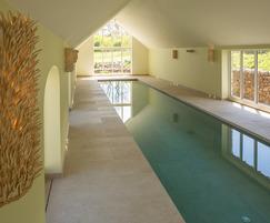 Energy-efficient pool