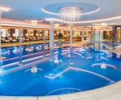 London Swimming Pool Company: LSPC offers stainless steel pools from Berndorf Bäderbau