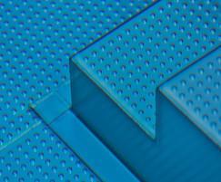 Modular stainless steel pool - detail of steps