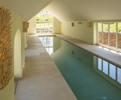 Luxury energy efficient pool