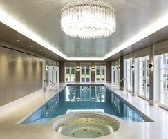 Award winning integrated pool & spa