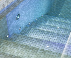 Integrated pool & spa showing Wibre underwater lights
