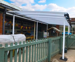 Freestanding canopy shelter for outdoor learning