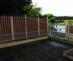 Alpha Rail: Metal railings secure river bank property