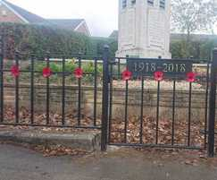 Decorative flat top railings for WWI memorial
