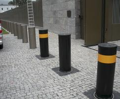 SB970CR Scimitar security PAS 68 crash-tested bollards