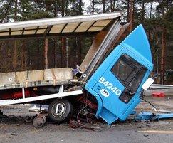 Avon Scimitar 75/40 fixed bollard PAS 68 crash test