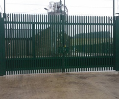 Manual swing gates - optional SafeGuard hinge system