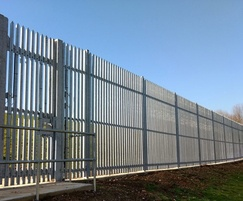 Resilient palisade fencing for water treatment works