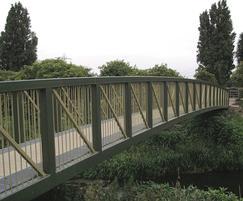 Steel pratt truss at Chalk Bridge for Lee Valley Park