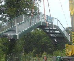 Installing 42m Chinese footbridge at historic site