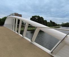 Non-slip surface on bridge deck