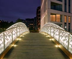 Chelsea Bridge, courtesy of Wishbone Exterior Lighting
