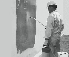 KÖSTER Polysil® TG 500 Anti-Lime primer being applied