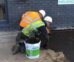 Application of Koster Deuxan 2c impervious bitumen