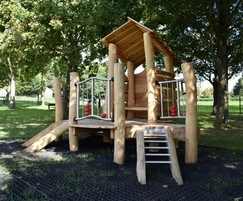 Timber multiplay unit for park
