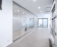MSW Comfort locking mechanism for manual sliding walls