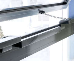 Slimchain chain drives - bottom opening window