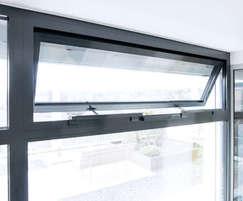 Slimchain chain drive - top hung window