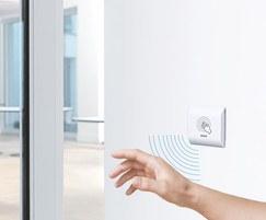 GC 306 non-contact proximity switch door operator